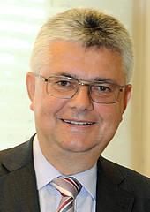 Dr. Josef Kinast